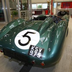 aston-martin-db-racing-09