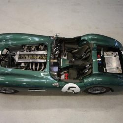 aston-martin-db-racing-24